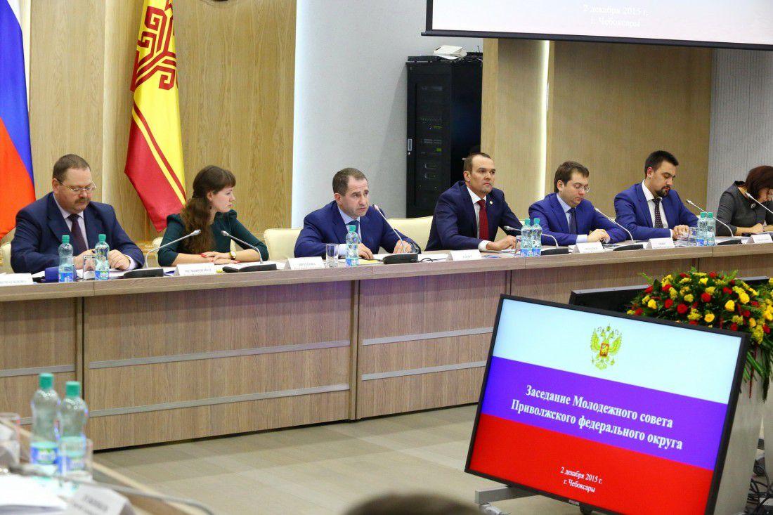 Кировский проект по популяризации госсимволов России «Пой гимн вслух» поддержали на окружном уровне.