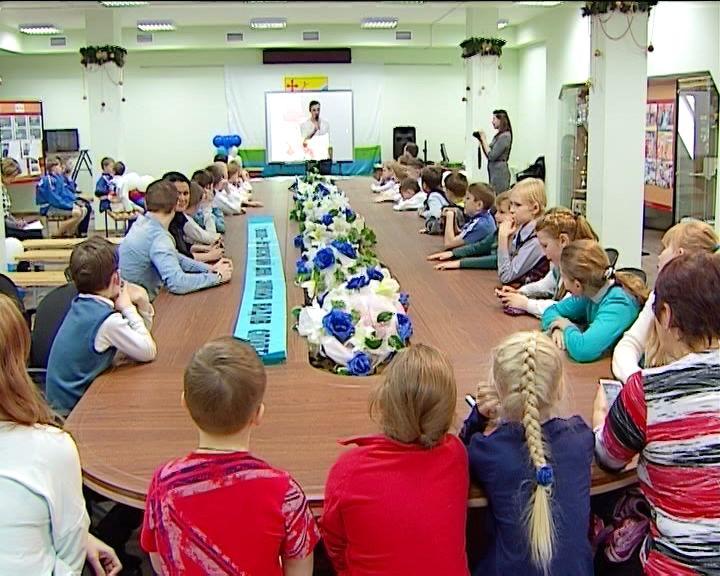 Встреча юных кировских спортсменов с конькобежцем Алексеем Суворовым