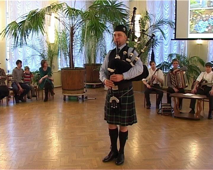 В библиотеке имени Герцена прошел традиционный Шотландский бал