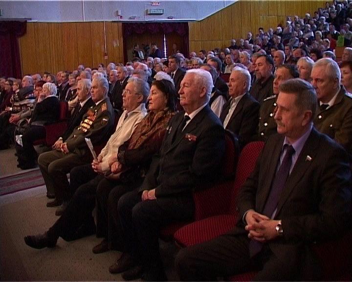 Поздравления ветеранов ко Дню защитника Отечества во Дворце культуры Космос