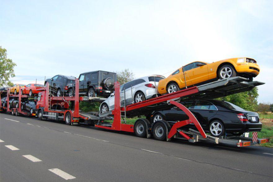В России вдвое подорожали импортные автомобили.