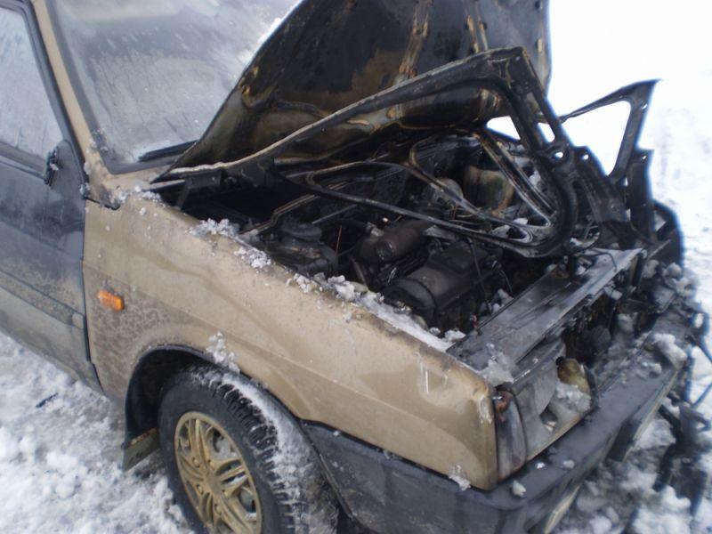 В Пижанском районе сгорел ВАЗ-21099.