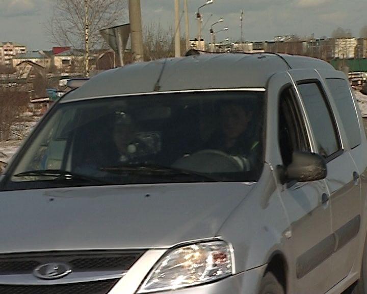 Сотрудники ГИБДД продолжают скрытно патрулировать улицы города