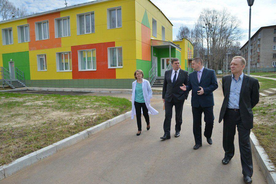В Кирово-Чепецке Владимир Климов проверил детский сад, отремонтированный на федеральные средства.
