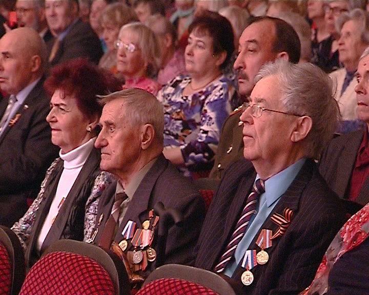 Праздничный концерт для ветеранов во Дворце культуры