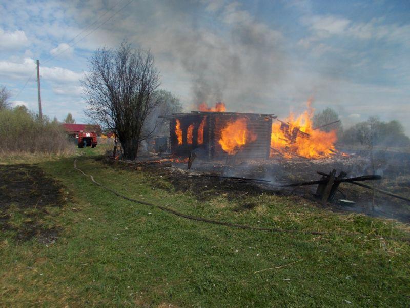 В Кировской области за сутки сгорели пять частных жилых домов.