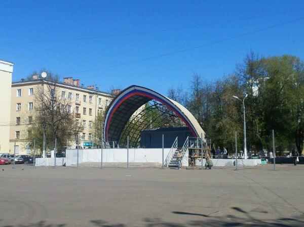 На Театральной площади разобрали сцену-