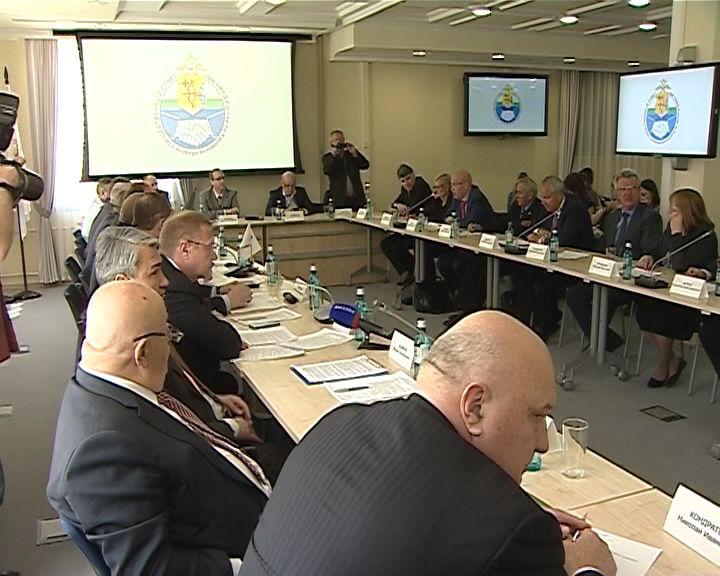 Заседание членов Совета МВД с представителями кировских правоохранительных органов и законодателями
