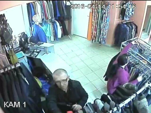 В Кирове устанавливают подозреваемого в краже куртки из магазина