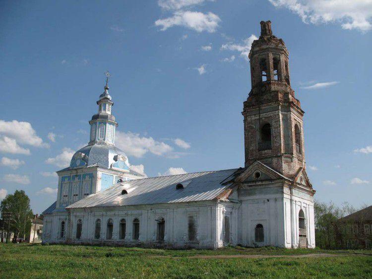 Из церкви села Петровское Уржумского района похитили иконы.