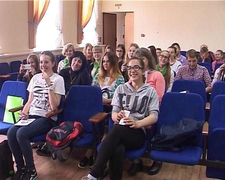 В Кирове открылся межрегиональный форум школьных пресс-служб