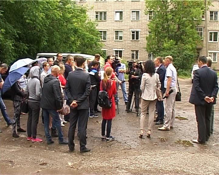 Алексей Кузнецов встретился с участниками долевого строительства