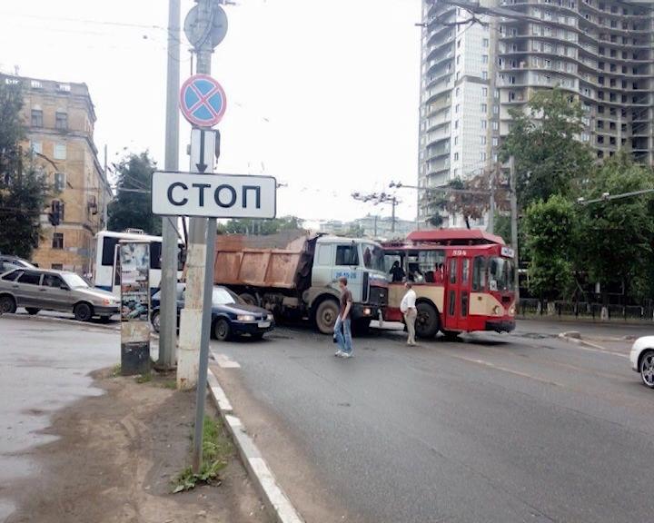 В Кирове ограничен проезд большегрузов.