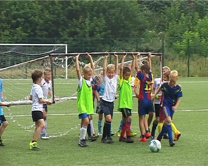 Набор в футболисты