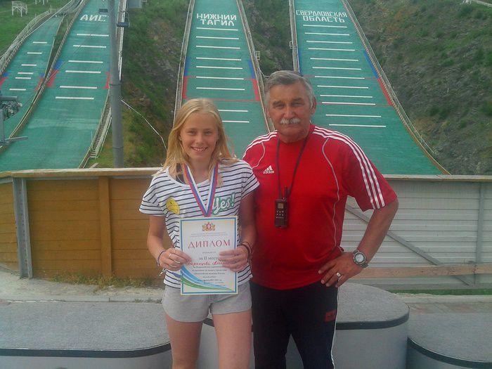 14-летняя кировчанка взяла «серебро» наВсероссийских соревнованиях попрыжкам страмплина
