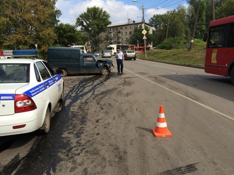 В Кирове в ДТП пострадали пять человек.