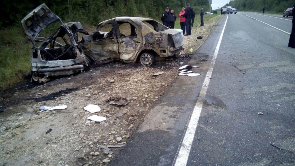 Две легковушки столкнулись вЮрьянском районе изагорелись: три человека погибли