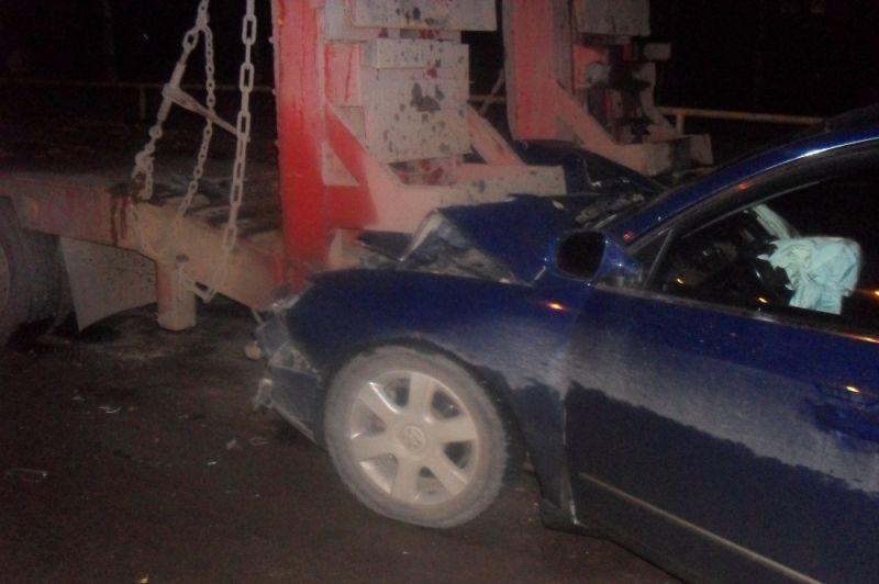 ВКирове иностранная машина врезалась в грузовой автомобиль