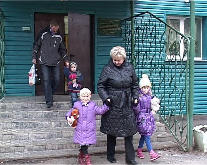 Приемная семья Чумаковых награждена знаком «За милосердие и благотворительность»