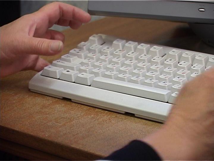 Кировских пенсионеров обучат основам работы на компьютере