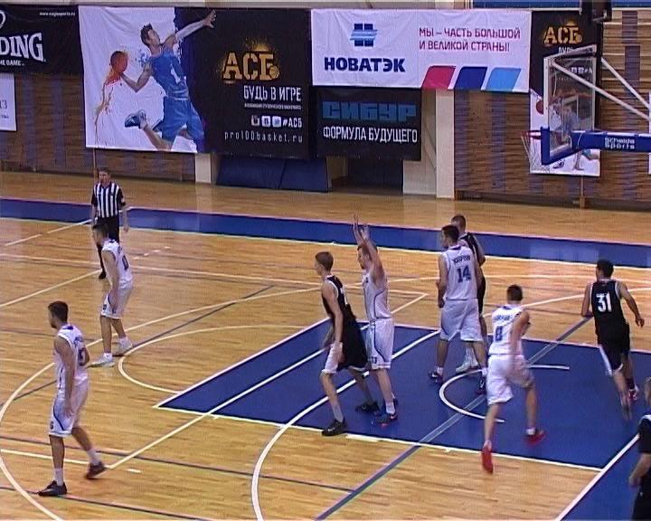 В чемпионате студенческой лиги баскетболисты ВятГУ завершили напряженную серию матчей