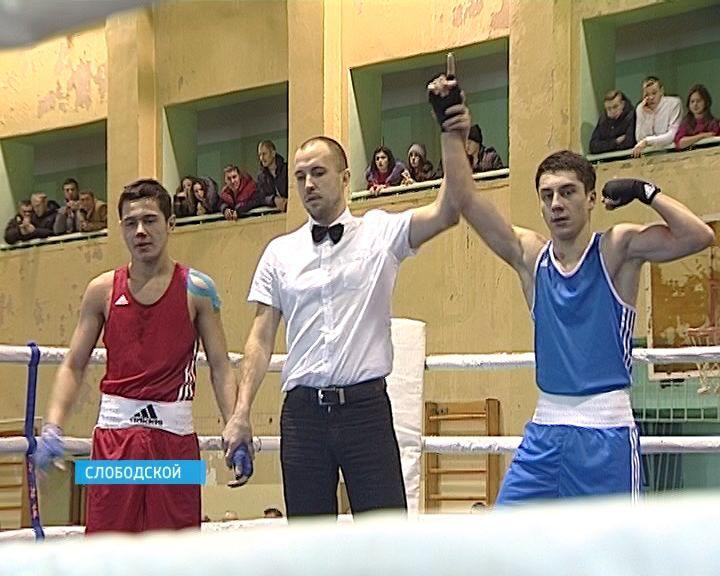 В Слободском состоялся всероссийский турнир по боксу памяти тренера Геннадия Буланова