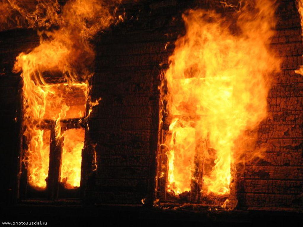 Двое жителей Оричевского района погибли на пожаре