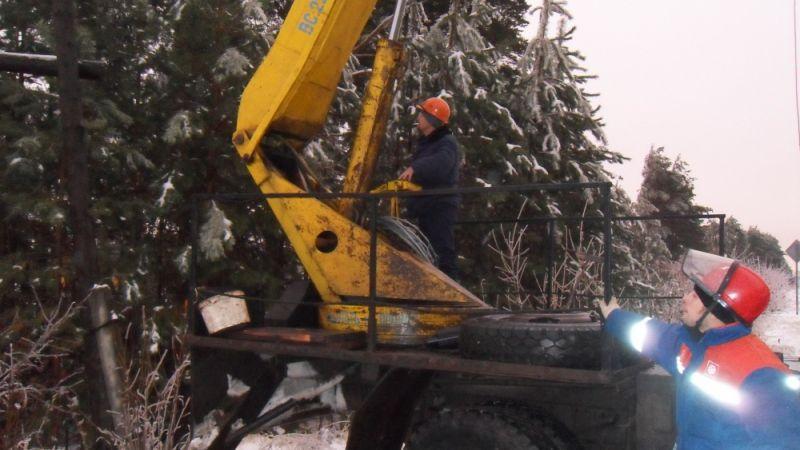 Лесозаготовители оставили без электричества два поселка