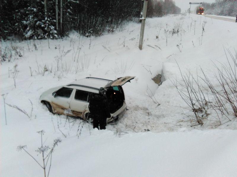 В Афанасьевском районе иномарка врезалась в фуру.