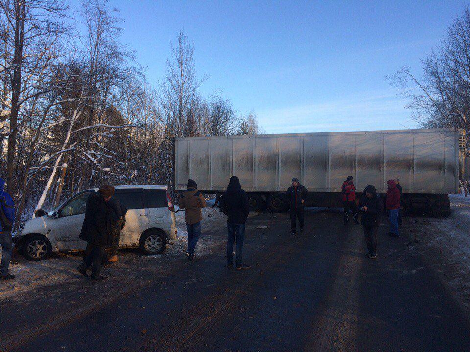 ВКирово-Чепецком районе фура перегородила дорогу