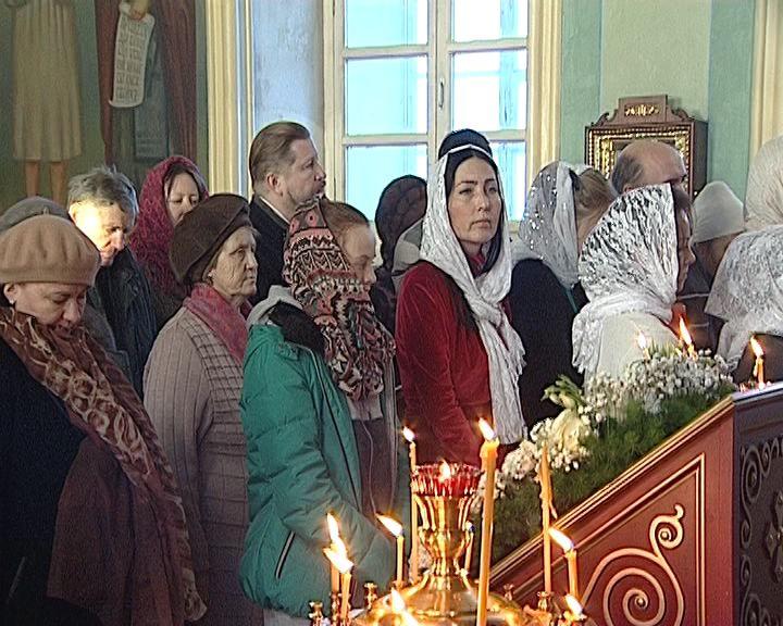 У православных христиан продолжаются рождественские святки