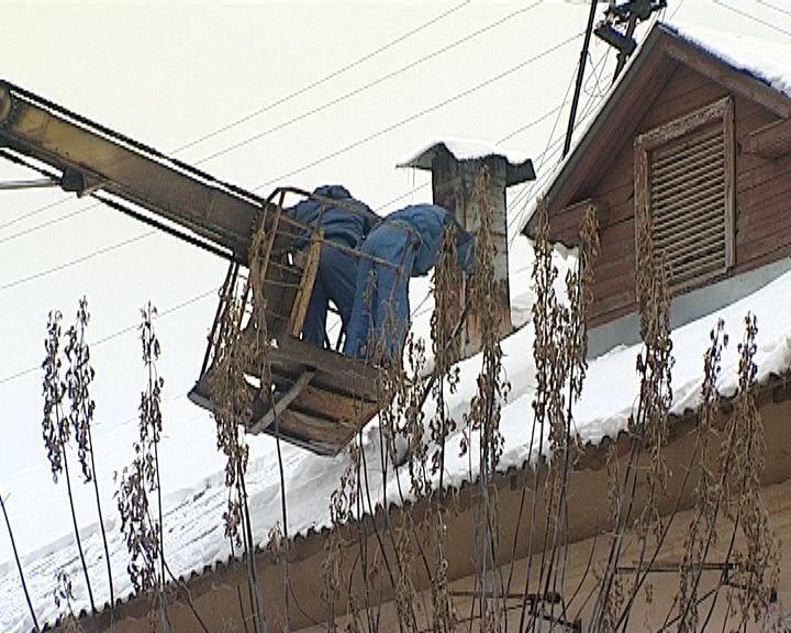 В Кирове усилят контроль за очисткой крыш
