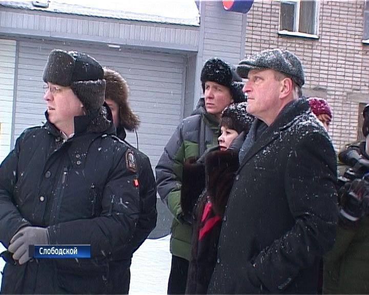 Глава региона отправился в пеший рейд по улицам и дворам города Слободского