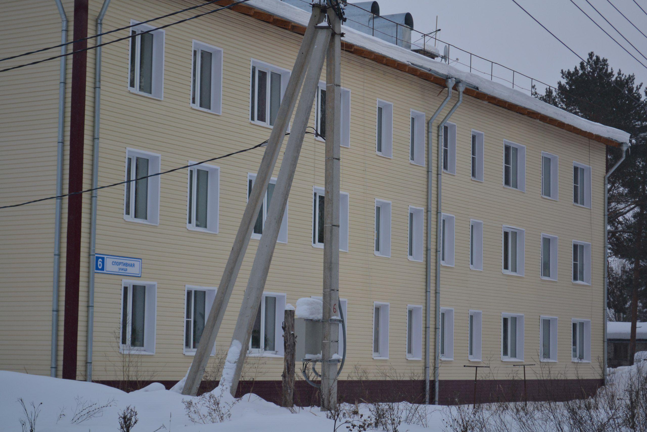 Активисты ОНФ нашли в Кировской области новые проблемные дома, построенные для переселенцев из ветхого жилья.