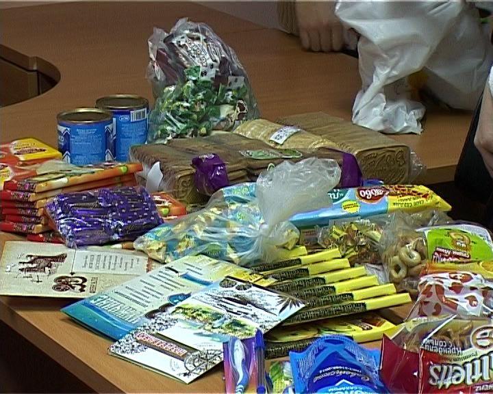 Жители Нововятска собирают посылки солдатам