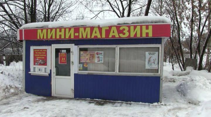Изкиоска наУльяновской изъяли пиво икрепкий спирт