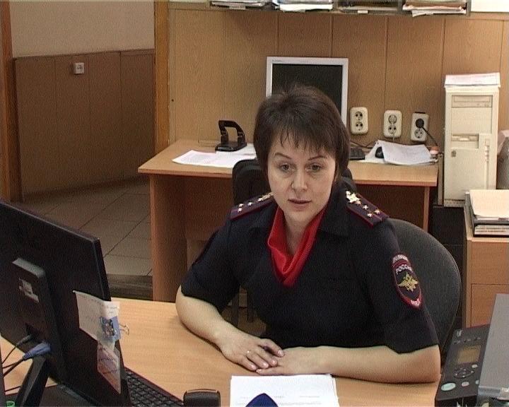 Женщина-госинспектор ГИБДД Виктория Заровняева