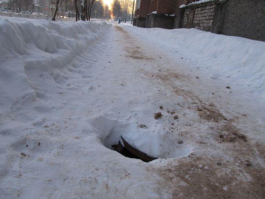 ВОмутнинске 9-летний ребенок провалился воткрытый люк тепловых сетей