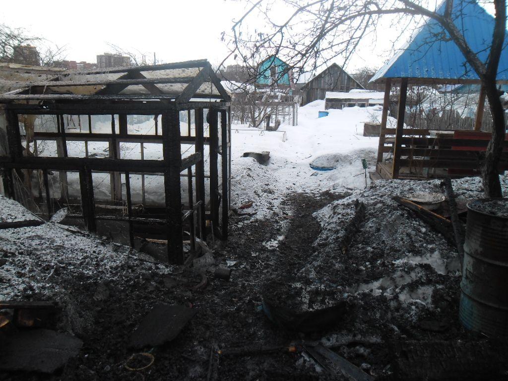 ВКирове неизвестные сожгли два дома водном садовом товариществе