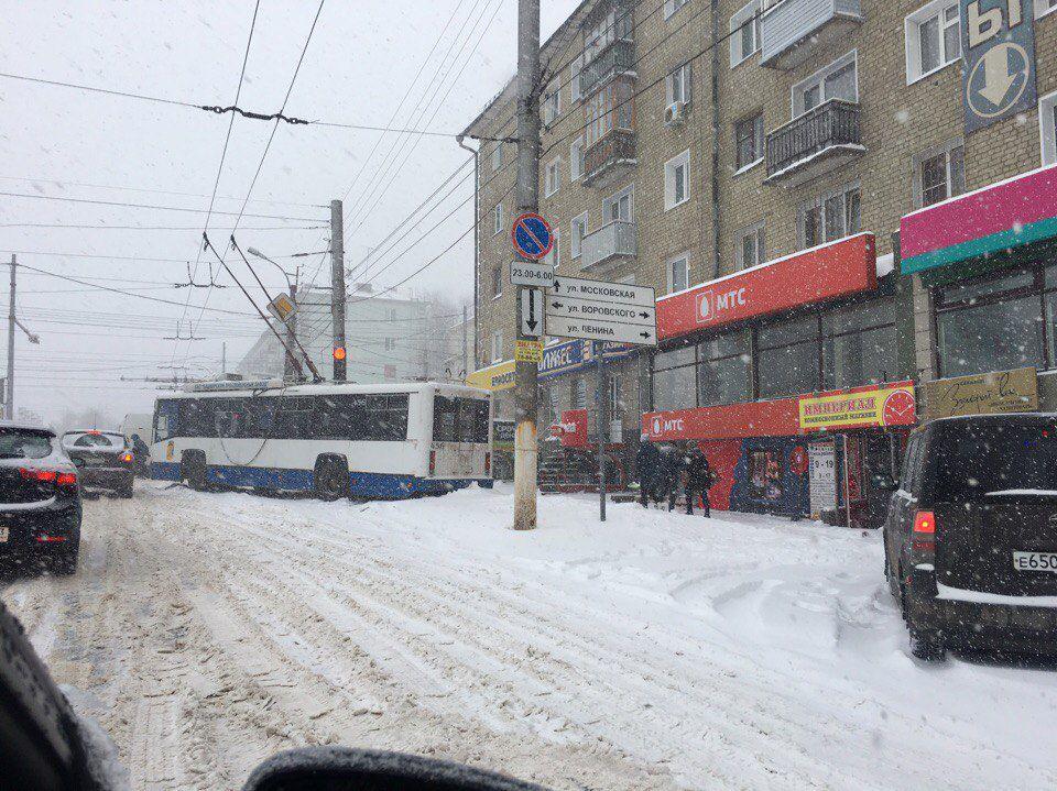 ВКирове для водителей заработала «горячая линия»