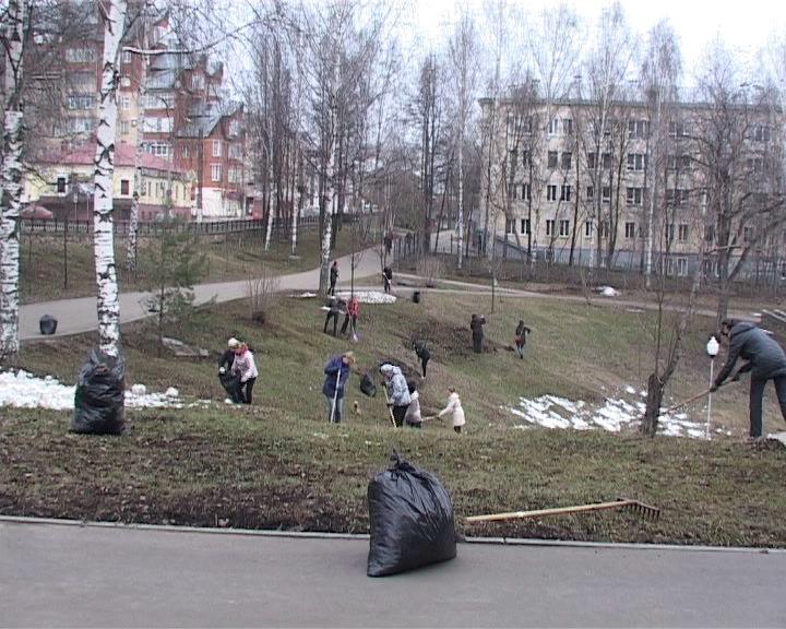 Субботники в городе Кирове