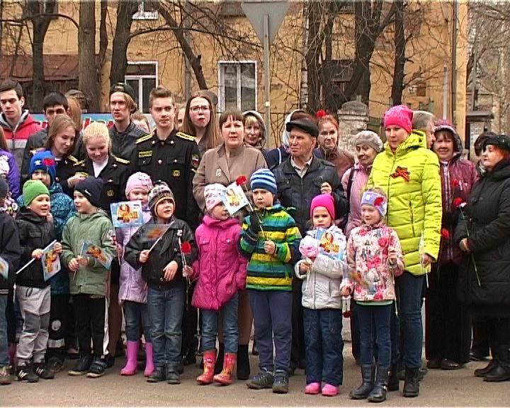Митинг у танка на Октябрьском проспекте