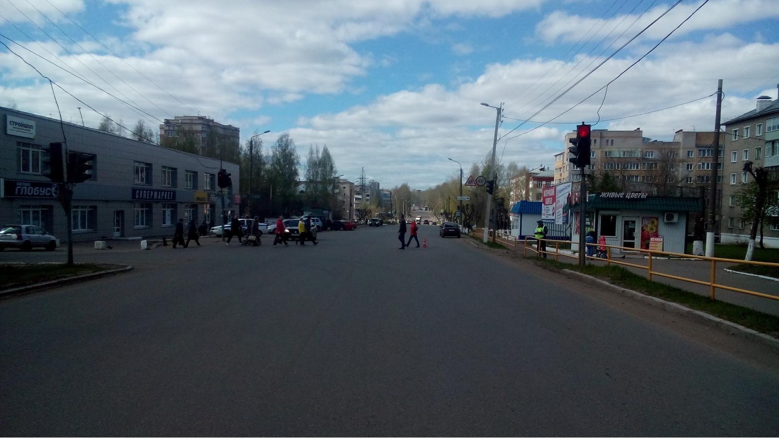 В Нововятске иномарка сбила женщину-пешехода.
