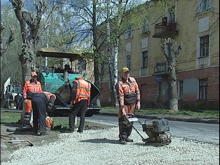 В Кирове идет ремонт 13 участков дорог
