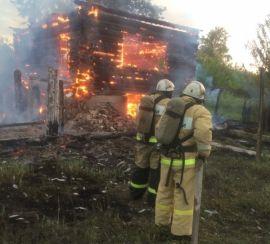 В Вятскополянском районе сгорел жилой дом.