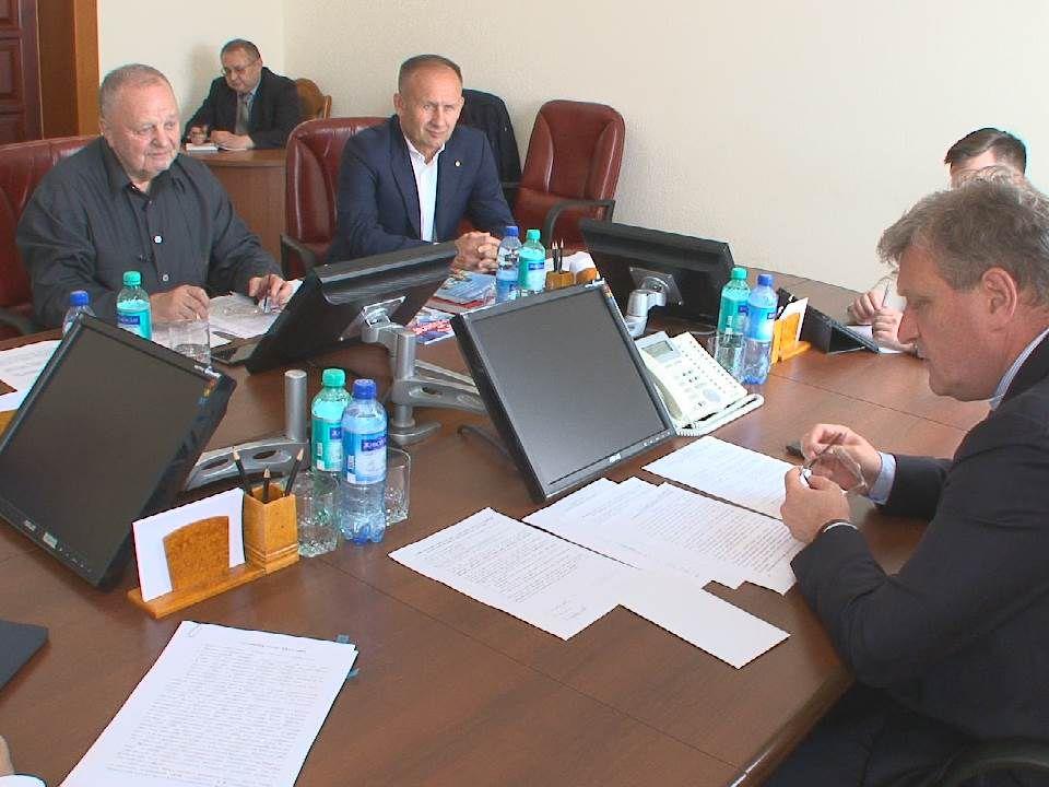 Игорь Васильев провел рабочую встречу с Президентом Федерации хоккея с мячом России Борисом Скрынником.