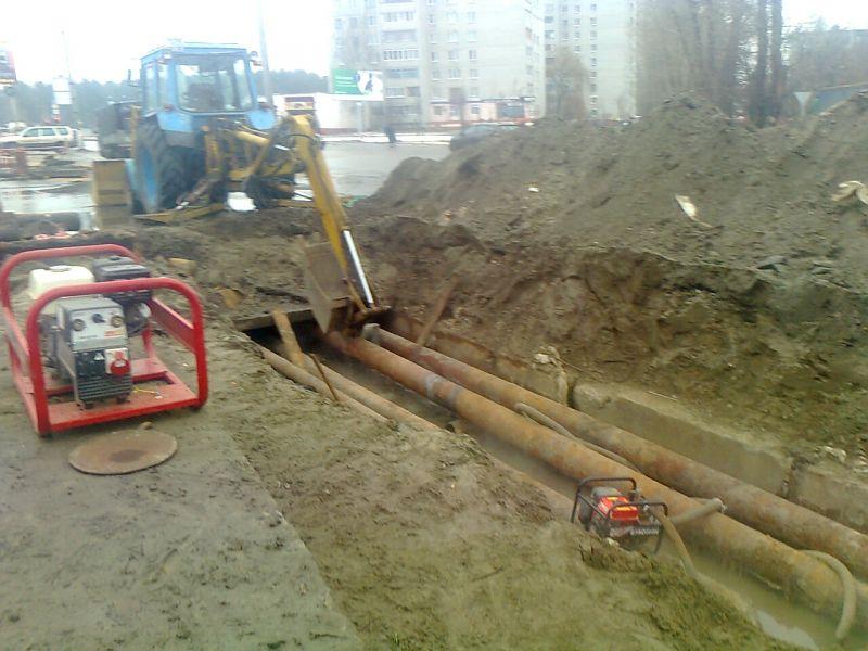 В Кирове из-за аварии на теплотрассе без горячей воды остались жители 31 многоквартирного дома.