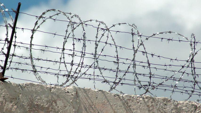 В Кировской области бывший осужденный вновь отправится за решетку за экстремизм.
