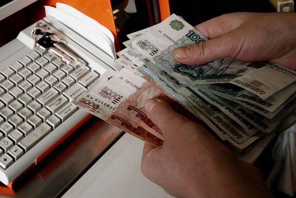 В Кирово-Чепецке директор магазина присвоил 100 тысяч рублей.