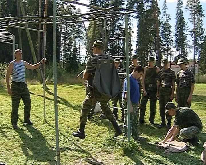 Кировские подростки могут погрузиться в армейские будни